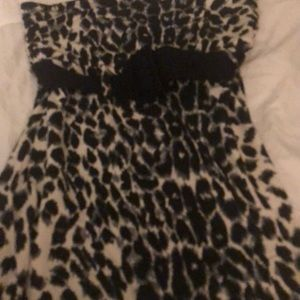 Express strapless too size small